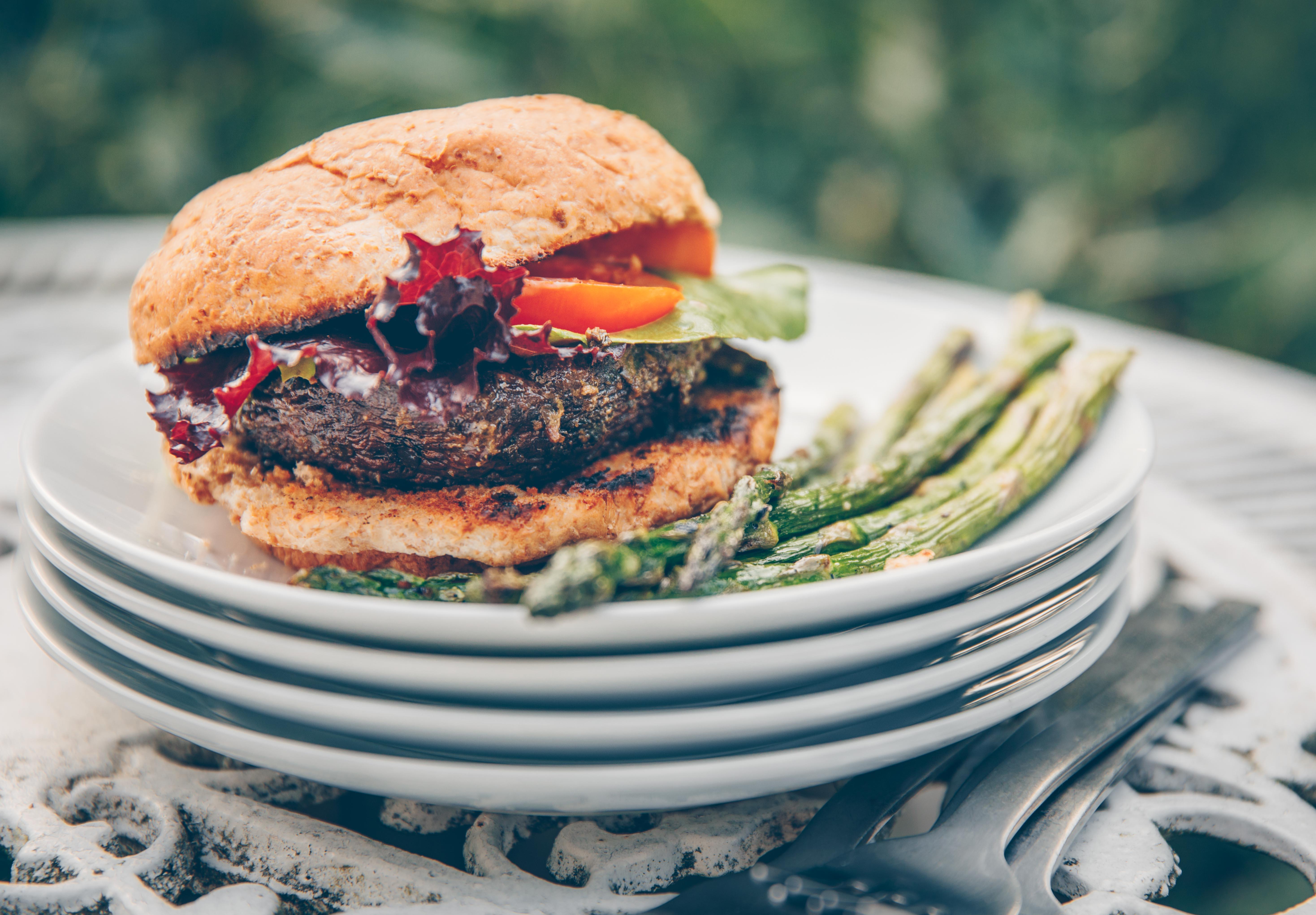 Portobello Pesto Burger (Vegan)